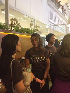 Adinia Wirasti di gala premier film terbarunya Critical Eleven.