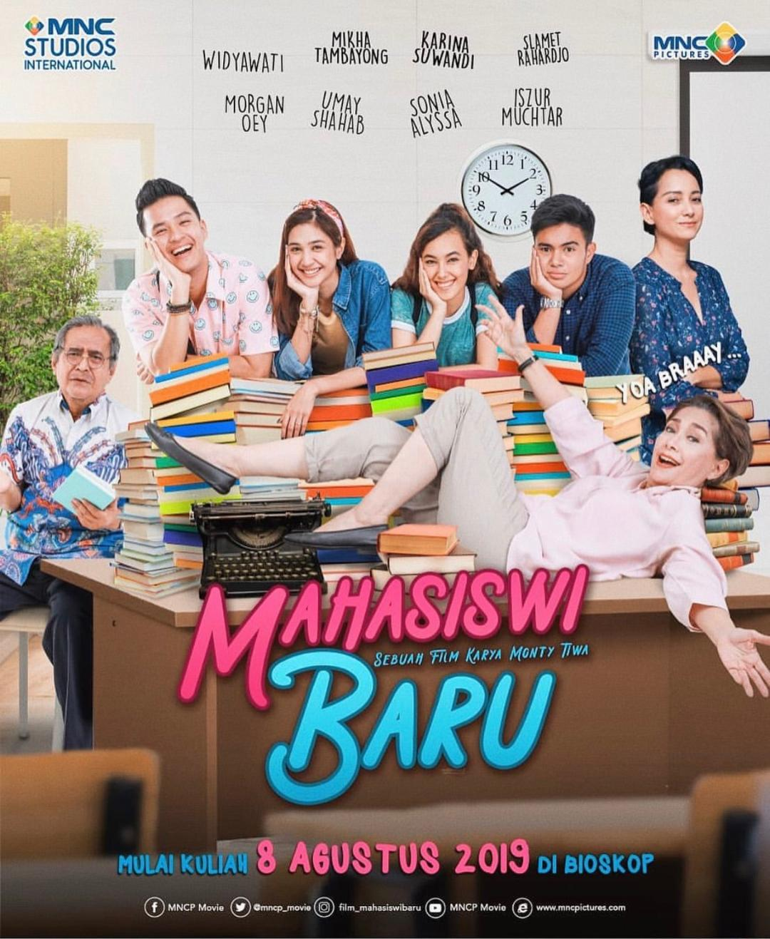 """ Launching Trailer dan Poster Film Mahasiswi Baru"""